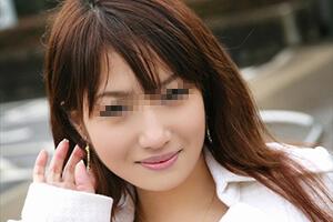 天下無双の美しい尻を持つ専門学生の性欲をくすぐる笑顔